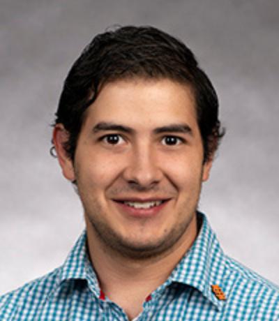 Dr. Marcos Valdez